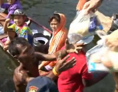 Blessing Thailand : YWAM Thailand Helping Flood Victims in Bangkok